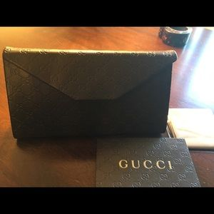 Gucci GG Sunglass Brown case with tags